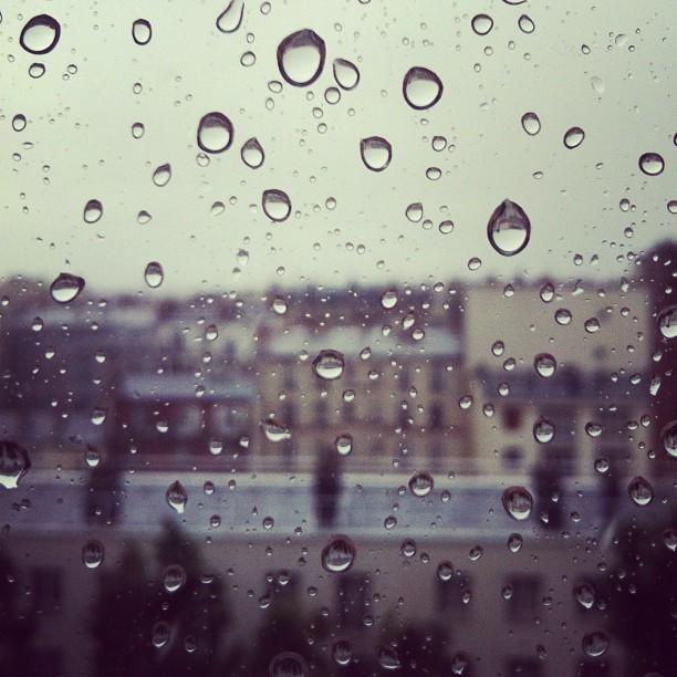 βροχερό Παρίσι