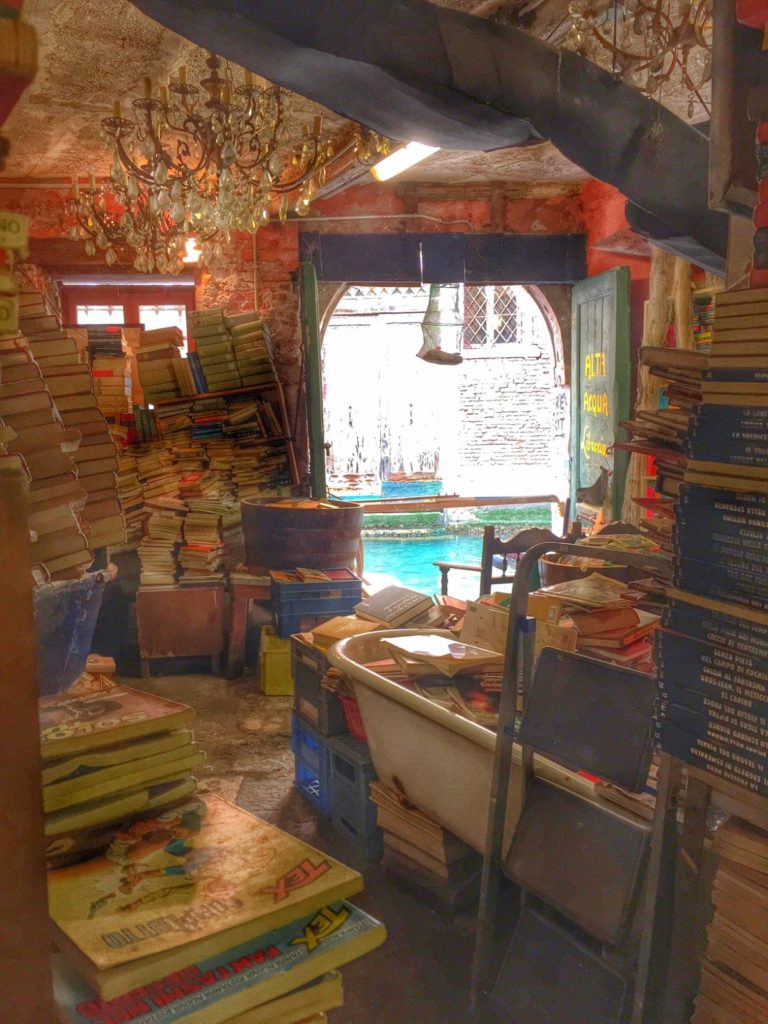 Alta Aqua βιβλιοπωλείο