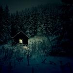 Σπίτι σε χιονισμένο ΄δασος